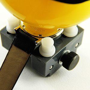 Tutoriel montre : Fermer montre à fond vissé avec balle : image 3