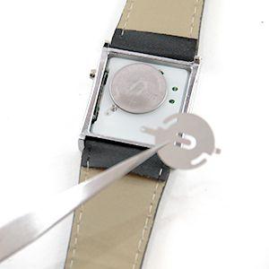 Tutoriel montre : Remplacer les piles d'une montre à LED : image 3