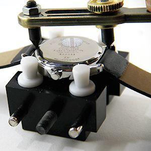 Tutoriel montre : Ouvrir le boîtier avec outil d'ouverture de montre étanche : image 3